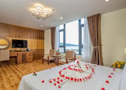 executive king room da nang hotel near beach facilities