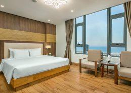 deluxe king room da nang hotel near beach