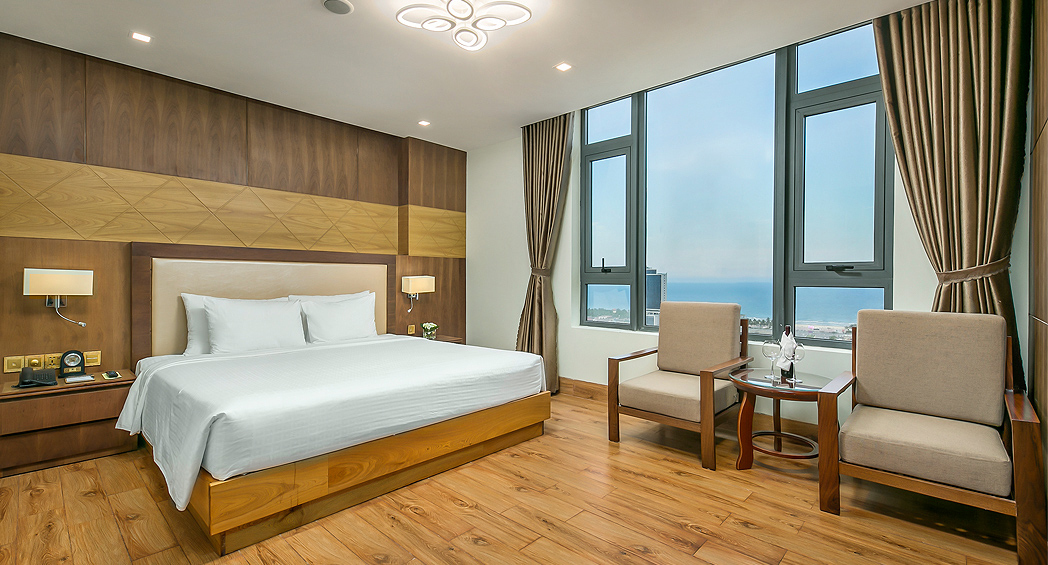 deluxe king room da nang hotel near beach