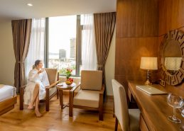 executive king room hotel da nang near beach