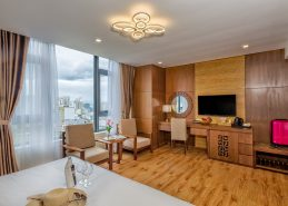 executive king room da nang hotel near beach amenities