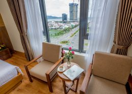 executive king room holiday in da nang facilities