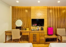 deluxe twin room best hotel da nang near beach