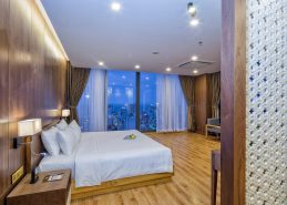 signature penthouse room centre hotel da nang amenities