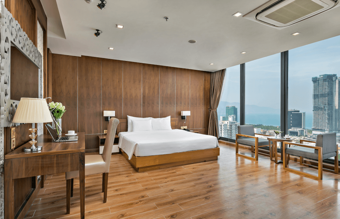 Signature Penthouse 4 star hotel in da nang