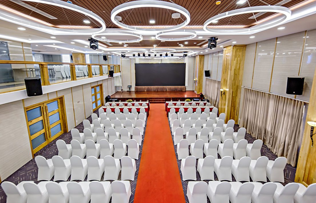 hotels with ballrooms da nang
