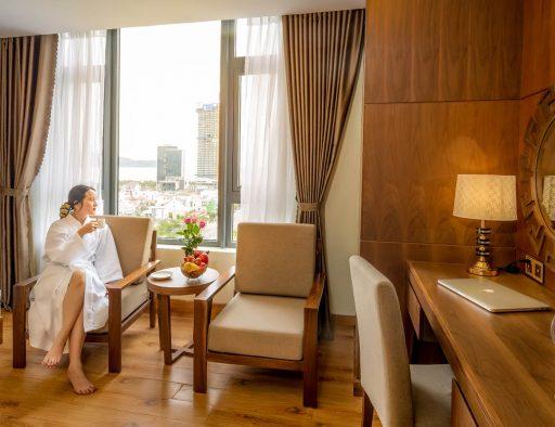 da nang accommodation beach executive room