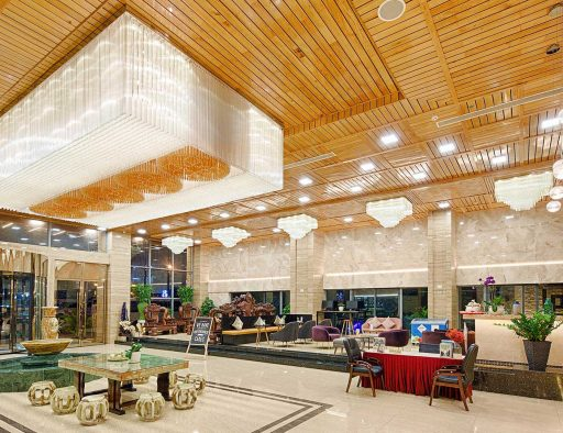 centre hotel da nang lobby