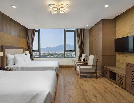 hotel da nang triple room