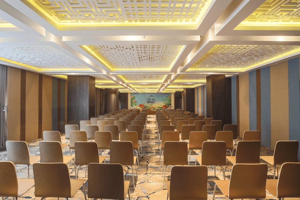 TOP 10 HOTELS WITH THE BEST CONFERENCE ROOMS